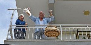 Mahallelerde ekmek ve pide satışı yapılıyor