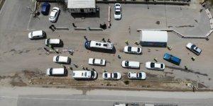 43 ilin geçiş noktasında araçlar tek tek durduruldu