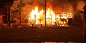 Antalya'da otel yangınında 2 katlı bungalow kullanılamaz hale geldi