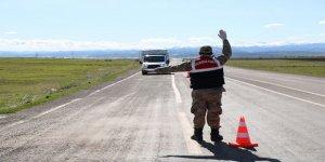 Kars'ta Jandarmadan, yük taşıyan araçlara yönelik trafik uygulaması
