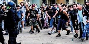 Almanya'da korona kısıtlamaları protesto edildi