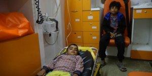 İdlib'deki göçmen kampında 50 Suriyeli gıdadan zehirlendi