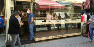 İzmir'in göbeğinde kuyumcu soygunu