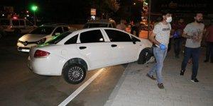 Uyuşturucu satıcısı polisten kaçmak isterken kaza yapıp yakalandı