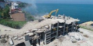 Ordu'daki gökdelenlerin yıkımı devam ediyor