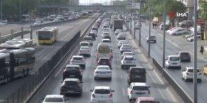 Kısıtlamanın ardından E-5'te yoğun araç trafiği