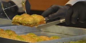Korona virüs Ramazan Bayramı öncesi pastaneleri de vurdu