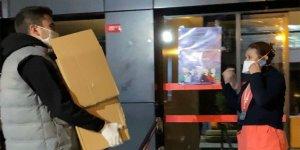 CZN Burak'tan sağlık çalışanlarına sarma sürprizi