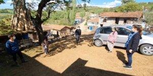 Yılın öğretmeni köy çocuklarına koştu