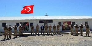 Komutanlardan 2625 rakımlı üs bölgesine bayram ziyareti