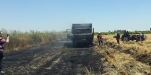 Buğday yüklü kamyon yandı