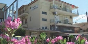 Yunanistan'da oteller bugün yeniden açıldı