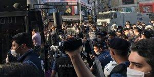 Kadıköy'de izinsiz gösteri yapmak isteyen gruba müdahale