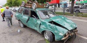 Otomobil ağaca çarptı: 1 yaralı