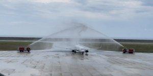 Ordu-Giresun Havaalanı'ndaki ilk uçak seferine sulu karşılama