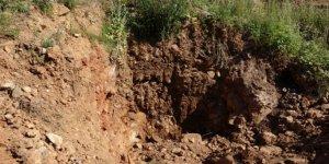 Maltepe'de define için ormanda kazılan çukur havadan görüntülendi