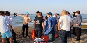 Karasu'da denize giren 2 yabancı uyruklu arkadaş boğuldu