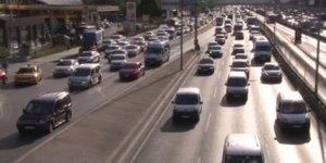 Haftanın ilk iş gününde trafik yoğunluğu arttı