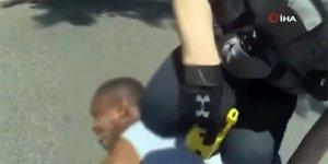 ABD'de polis siyahi vatandaşı şok tabancası ile vurdu