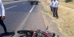 Şanlıurfa'da motosiklet ile traktör çarpıştı: 1 yaralı