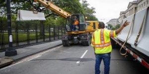 Beyaz Saray etrafındaki beton bariyerler kaldırılıyor