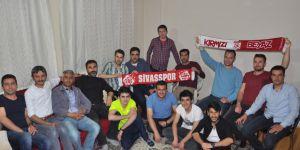 Kars'ta Yaşayan Sivaslılardan Şampiyonluk Kutlaması.