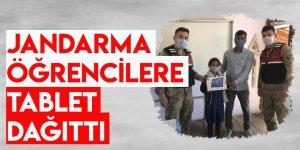 Jandarma Öğrencilere Tablet Dağıttı