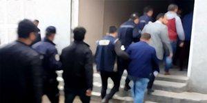 İzmir'de FETÖ'ye ardı ardına darbe: 41 tutuklama