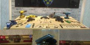 Silah kaçakçılığı operasyonu: 7 tabanca ele geçirildi