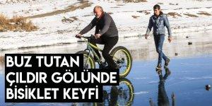 Buz Tutan Çıldır Gölünde Bisiklet Keyfi