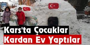 Kars'ta Çocuklar Kardan Ev Yaptılar