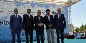 Bakan Arslan Çıldır Gölü'nde Denizcilik ve Kabatoj Bayramı etkinliklerine katıldı