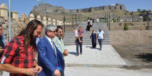 Ankara'dan döndü, ayağının tozuyla Osmanlı Mahallesi'ne geldi