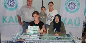 Kafkas Üniversitesi öğrencilerini karşılıyor