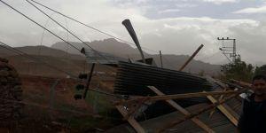 Kars'ta fırtına yüksek gerilim hatlarına zarar verdi