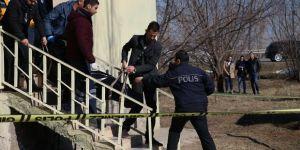 74 yaşındaki kadın, evinde bıçakla öldürülmüş halde bulundu