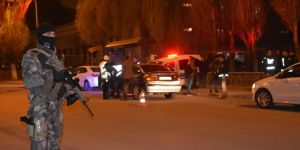 Nevruz Bayramı Öncesi  Polis Kars'ta  Kuş Uçurtmuyor