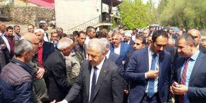 Bakan Arslan, yeğeninin cenaze törenine katıldı