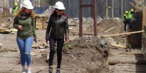 Kars'ta tarihi binalara kadın eli değdi