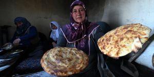 İmece usulü hazırlanan lezzetler ramazan sofralarını süslüyor