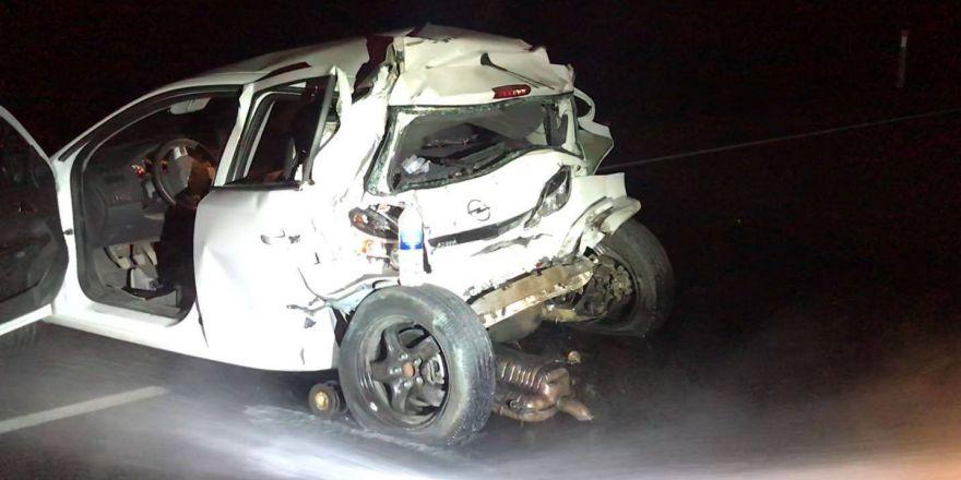 Kars'ta Ambulans İle Otomobil Çarpıştı: 1 Ölü, 3 Yaralı